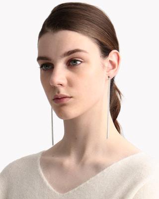 <Theory セオリー>送料無料Saskia Diez Fine Earrings 繊細なフリンジチェーン使いがポイントのピアス。